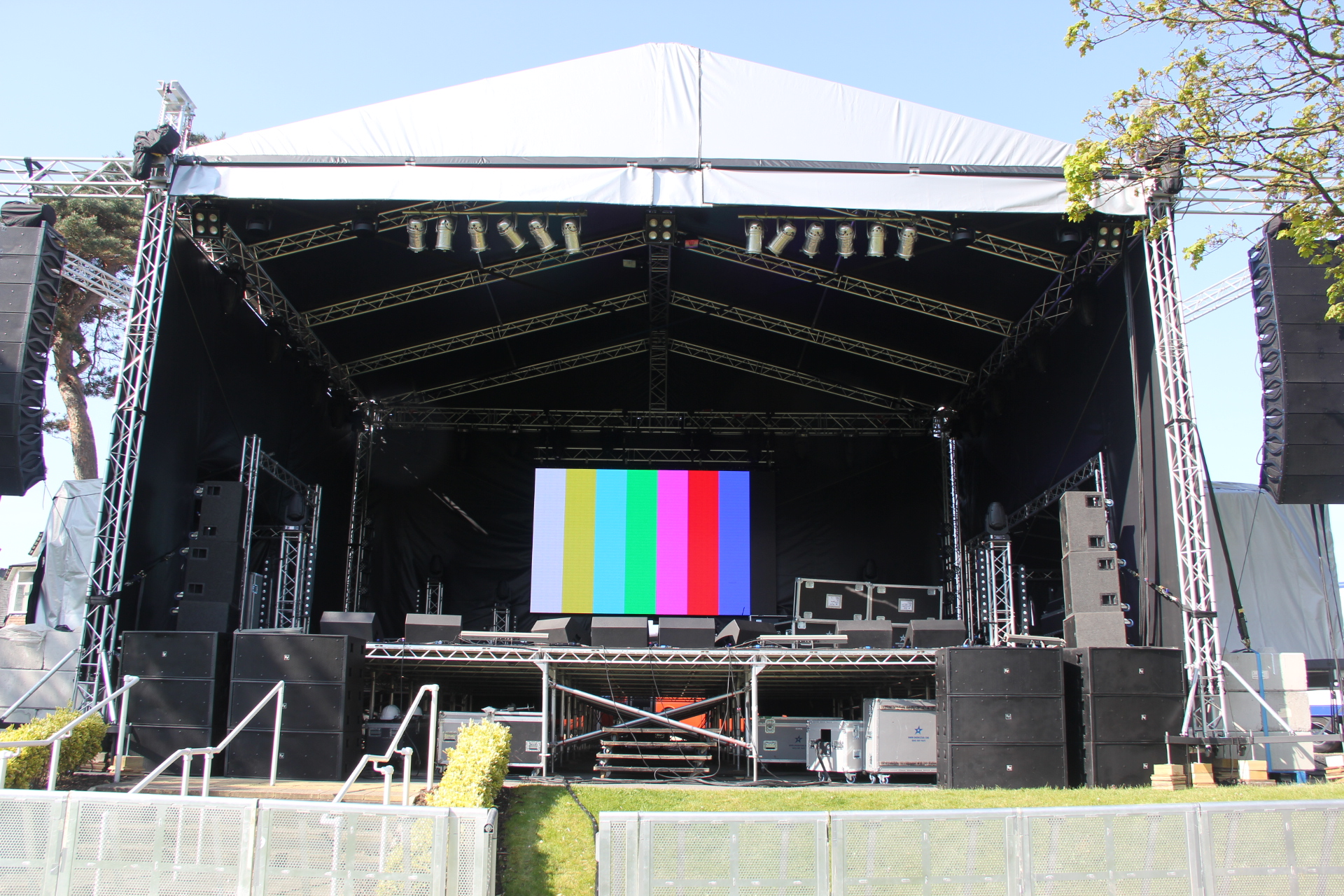 Aintree Summer Nights Sounds of the 80s 2015 (111) - stage sound video lighting