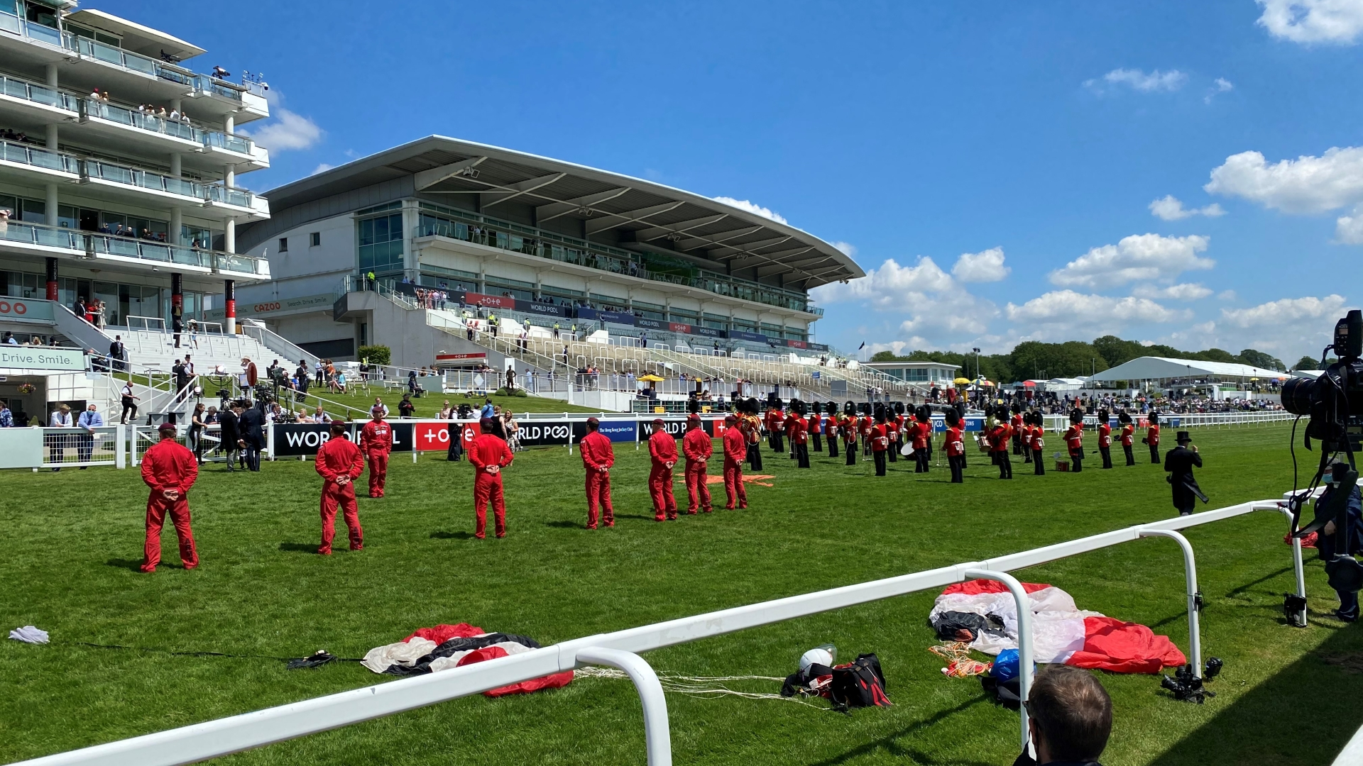 Epsom Downs 2021 Red Devils parachute display team